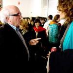 Un momento de descanso en elº Encuentro BID. Antonino Jorge, de Portugal conversa con una profesora de Madrid.